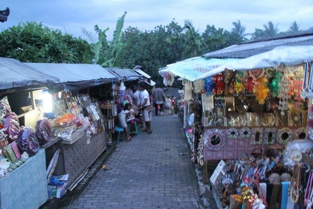 Tanah Lot Market  Source: indonesia.travel